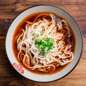 G曹媽媽川味牛肉湯麵 (湯包+手工拉麵)
